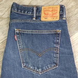 Levi's 505 38 x 30 straight cut denim jean